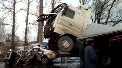В Тосненском районе в столкновении рейсового автобуса с самосвалом пострадали 15 человек