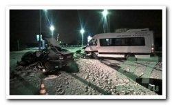 В ДТП на переезде в Кировском районе пострадали четверо. Легковушка уходила от погони